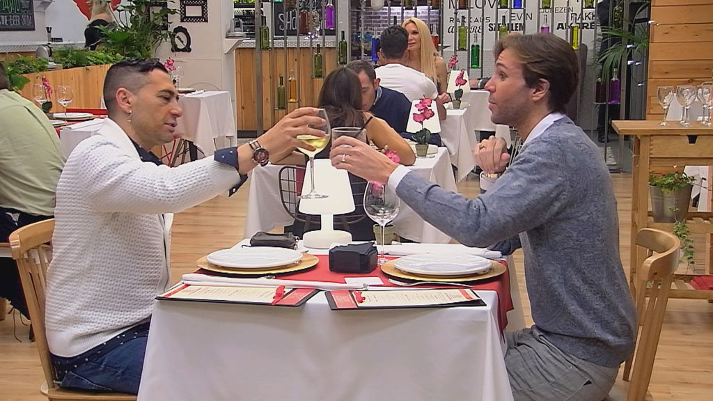 'First dates: especial VIPS'