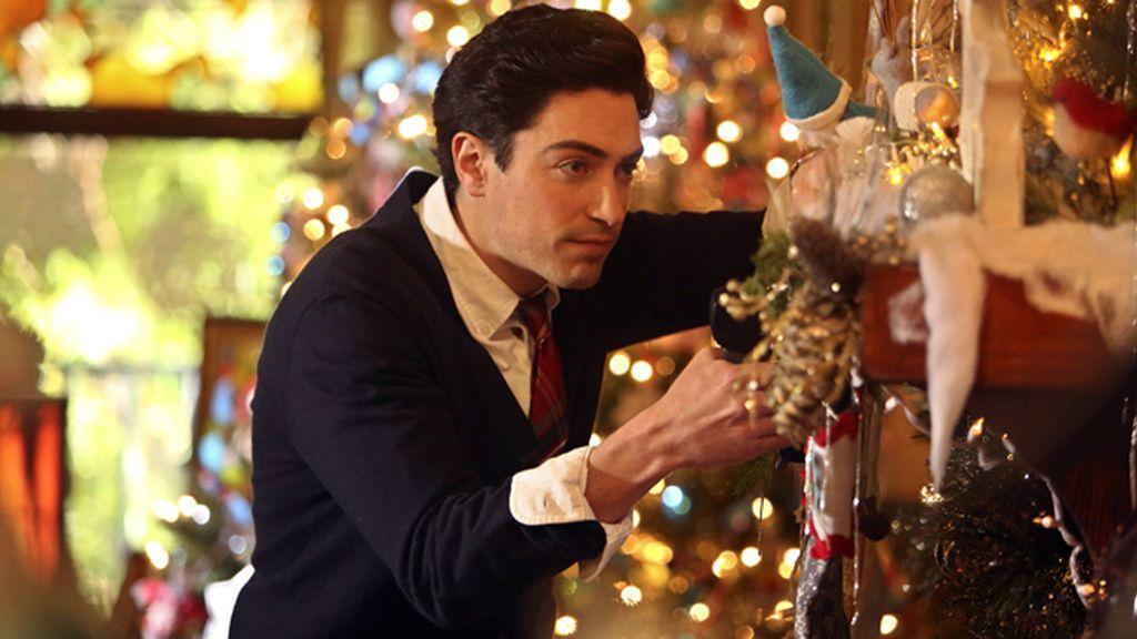 """Andrew, """"divertido, inteligente y guapo"""", busca el amor en Cosmopolitan TV"""