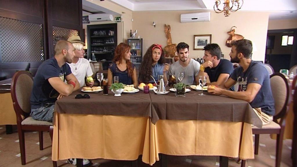 Marta regresa al pueblo con el expulsado Ramiro en 'Un príncipe para tres princesas'