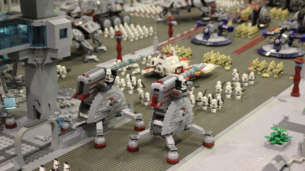 2011. Megafactorías, Lego