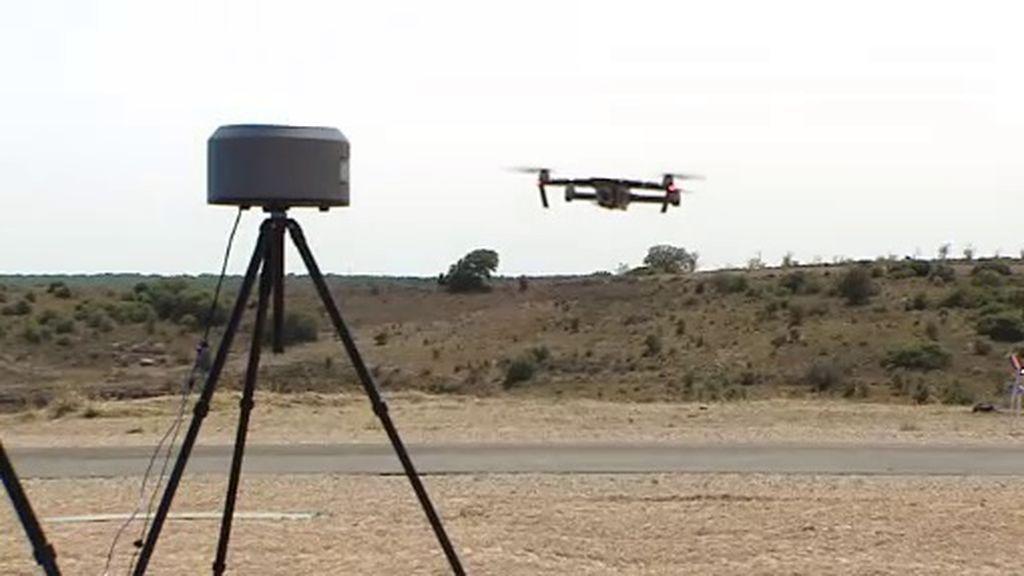 El sistema español que permite interceptar drones en forma de amenaza