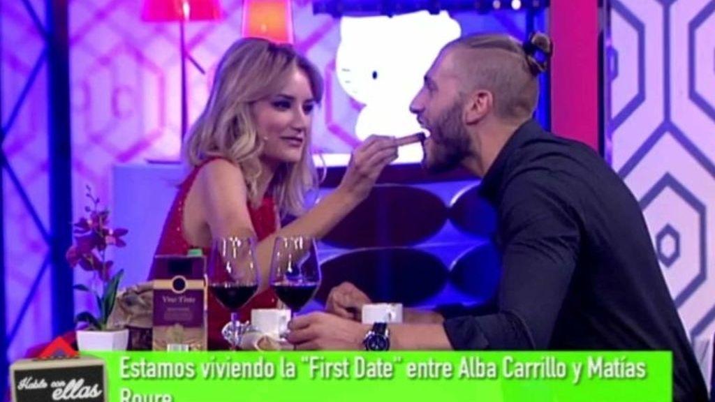 Matías ('First dates', Cuatro) con Alba Carrilo en 'Hable con ellas' (Telecinco)