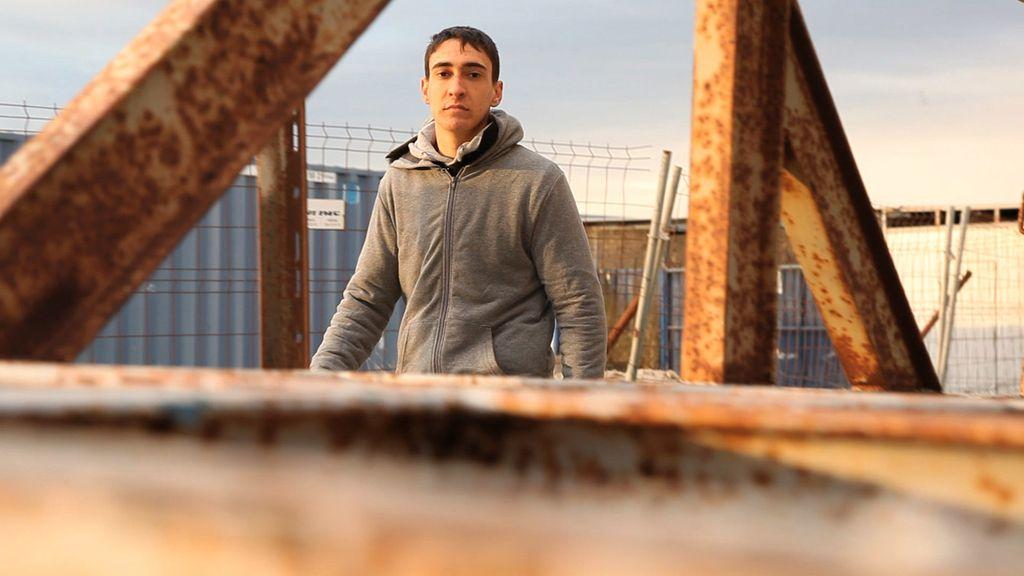 'Hermano Mayor' ayuda a Alejandro, un adolescente con conducta agresiva