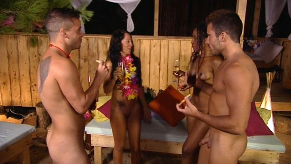 Dos son compañía, tres multitud y cuatro un exceso en el paraíso de 'Adán y Eva'