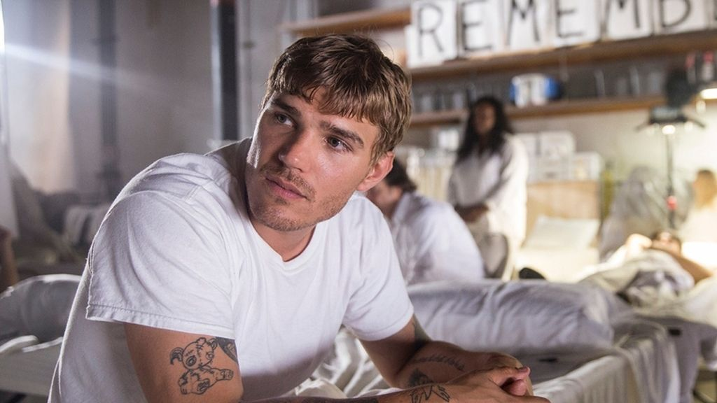 Chris Zylka es Tom Garvey en 'The leftovers'