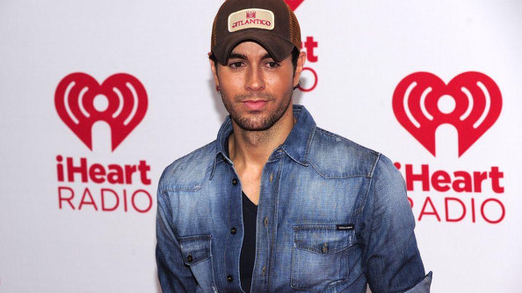 Enrique Iglesias en los iHeartRadio Music Awards