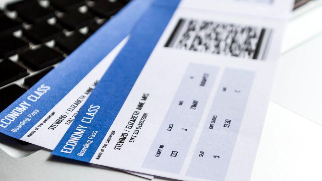 Este extraño código en los billetes de avión te hará vivir una 'pesadilla'