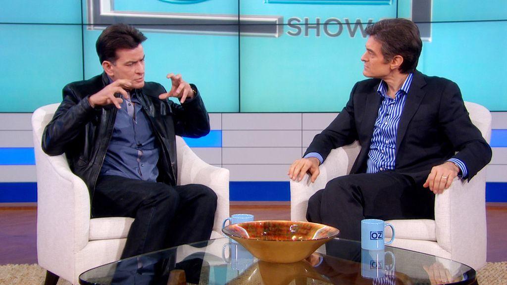 Charlie Sheen con Mehmet Oz