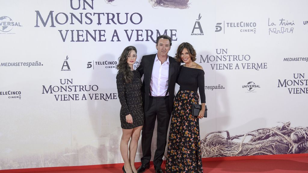 De izquierda a derecha, Elena de Rivera, Ginés García Millán y Lydia Bosch ('La verdad', de Telecinco)