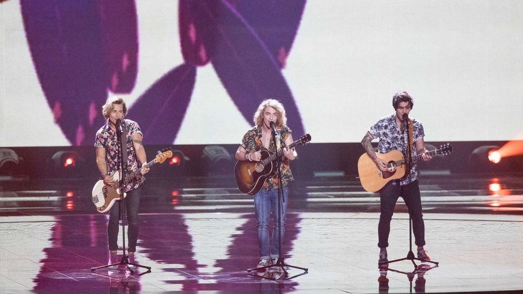 Manel Navarro durante su actuación en el Festival de Eurovisión 2017