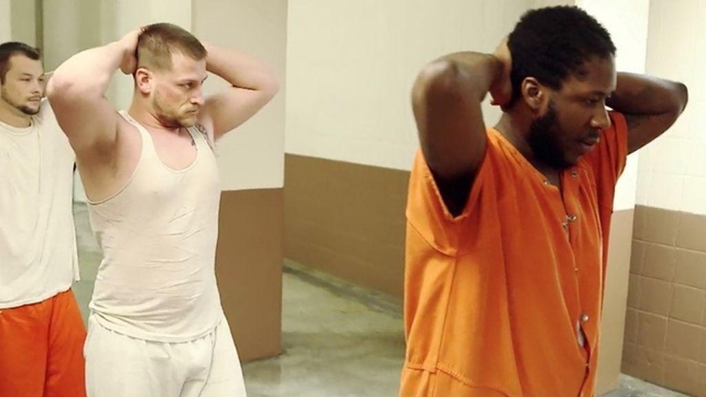 El 'sheriff' encierra a siete inocentes para erradicar la corrupción de la cárcel de Clark