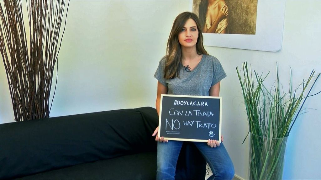 """Sara Carbonero: """"Las mujeres no son objetos. No permanezcas en silencio"""""""