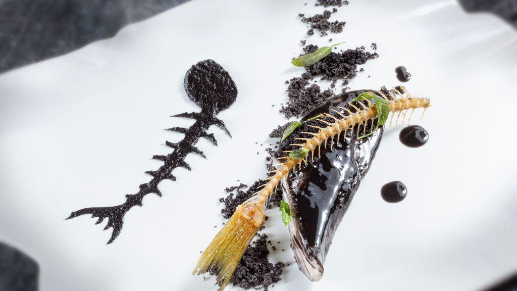 Plato de comida 'El mar y la montaña o monte de los olivos' de Quique Dacosta para la quinta edición de 'La última cena' del canal Historia