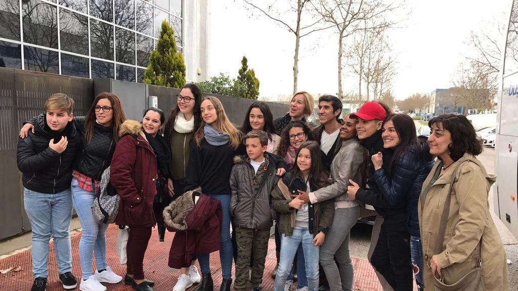 Los niños de 'La Voz Kids 3' posan tras grabar la promo final
