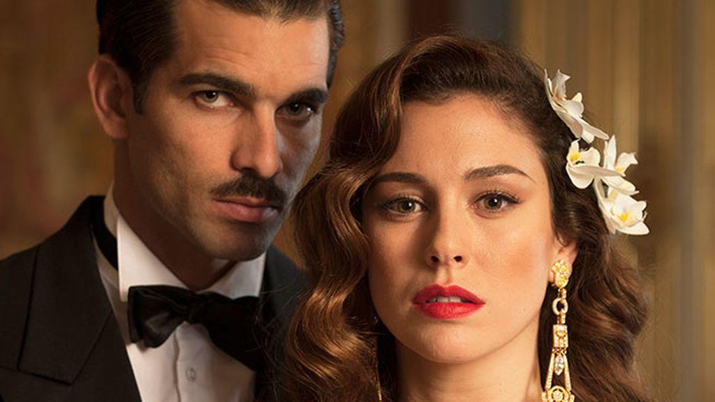 Telecinco recrea el gran amor del franquismo en 'Lo que se escondían sus ojos'