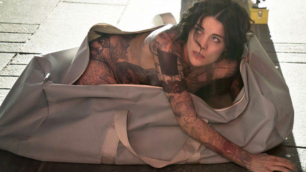 El mapa del crimen, oculto en los tatuajes de una mujer desnuda, en 'Blindspot'