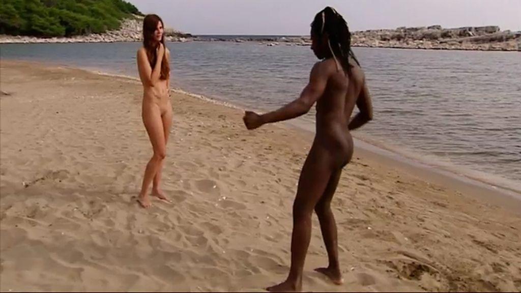 El 'eusko-guineano' Coman llena de ritmo el paraíso de 'Adán y Eva'