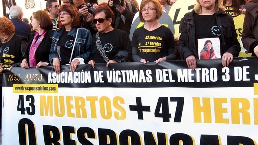 Manifestación accdiente de metro Valencia en 2006