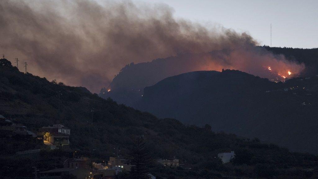 Buscan a una vecina de Gran Canaria desaparecida durante el incendio en la cumbre