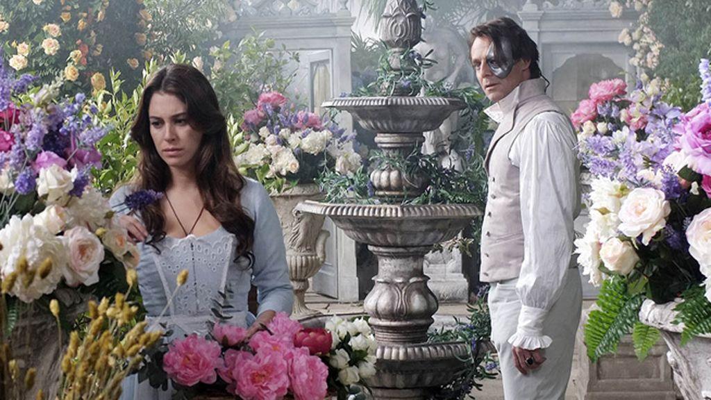 Romance, aventuras y misterio en la miniserie 'La Bella y la Bestia'