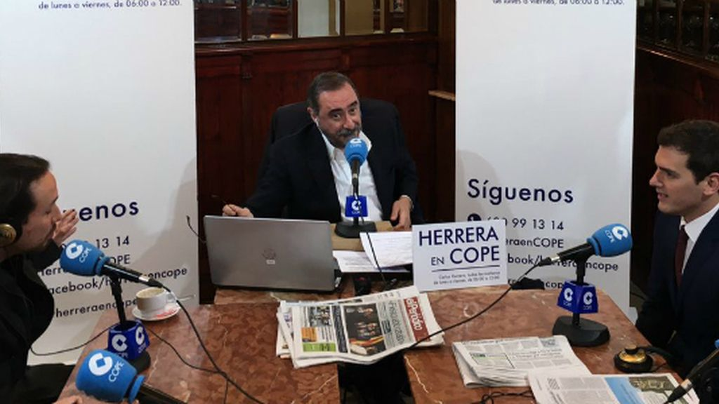 Rifirrafe Pablo Iglesias-Albert Rivera a las puertas del Congreso