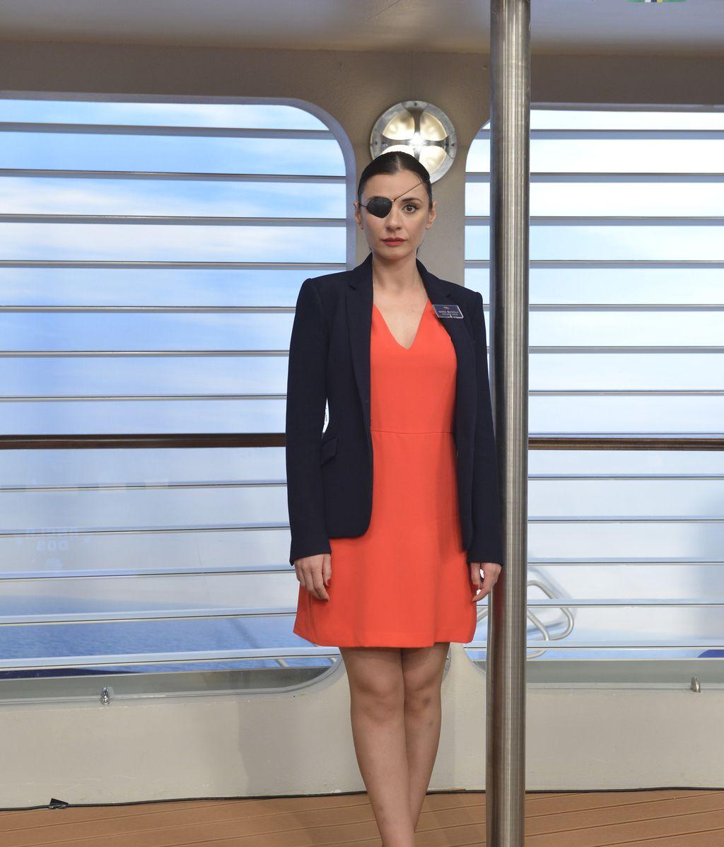 Miren Ibarguren es Marga Santaella, la directora