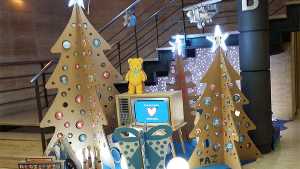 Decoración navideña en Mediaset (2)