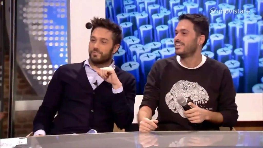 Dani Martínez y su hermano, a collejas en televisión