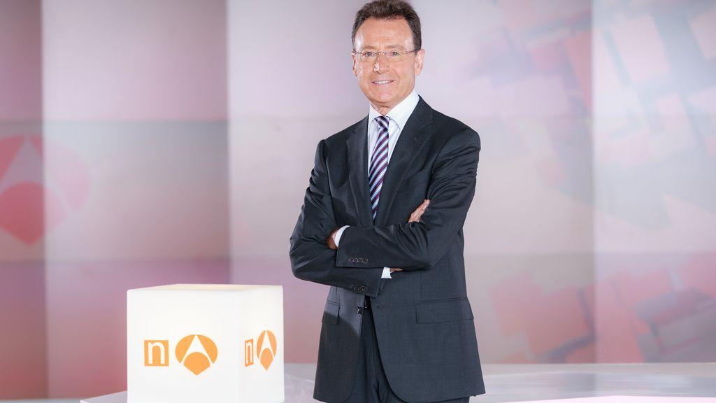 Matías Prats, posado oficial de los informativos de fin de semana de Antena 3 2016-17