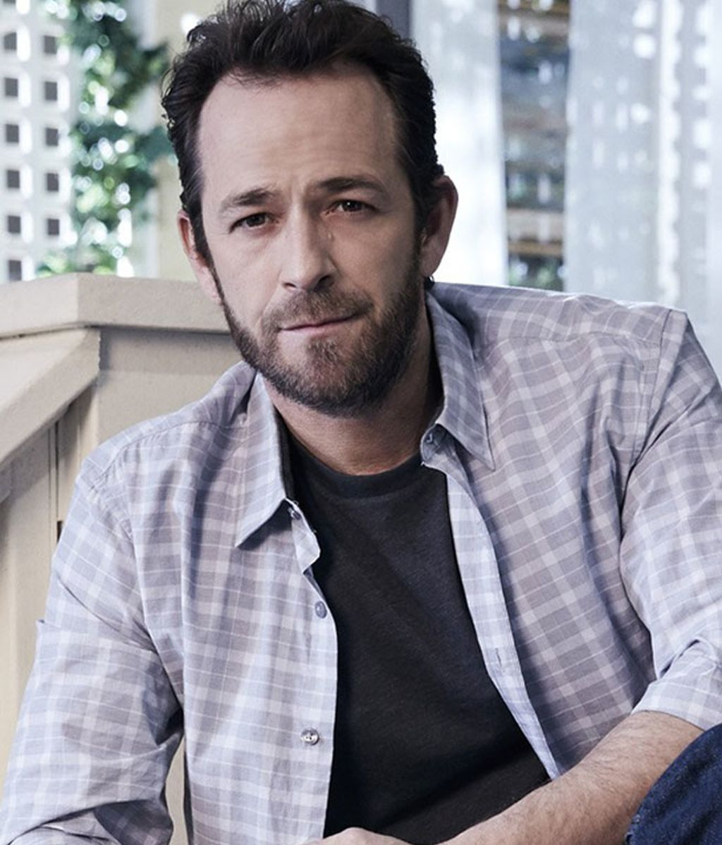 Luke Perry es Fred Andrews