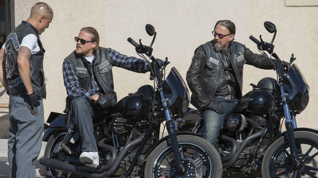 Jax intenta mantener unida a la banda en la sexta temporada de 'Sons of anarchy'
