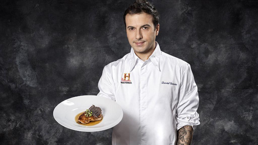 David García cocina trucha, cordero y soufflé de piña en 'La última cena'