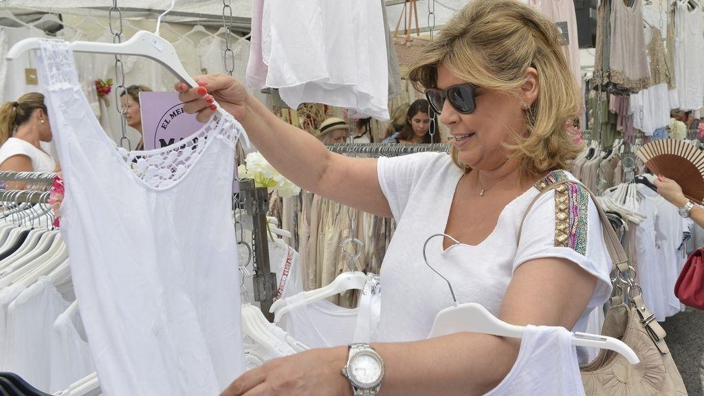 Terelu, la más aclamada del mercadillo en 'Las Campos'
