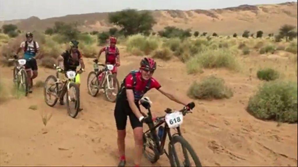 Cuarto Día en la Titan Desert: primer contacto con la arena a las puertas del desierto.