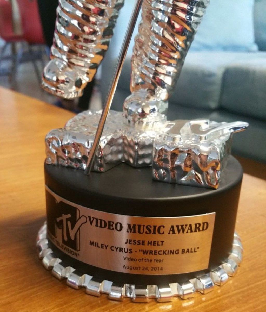 Moonman MTV VMA's Miley Cyrus 2014