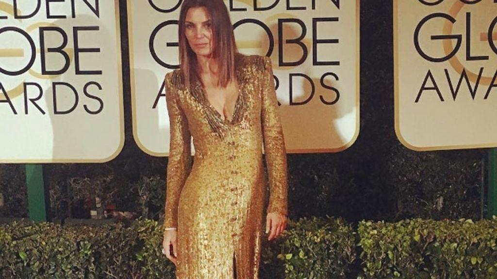 La actriz Mar Flores en la alfombra roja de los Globos de Oro 2017