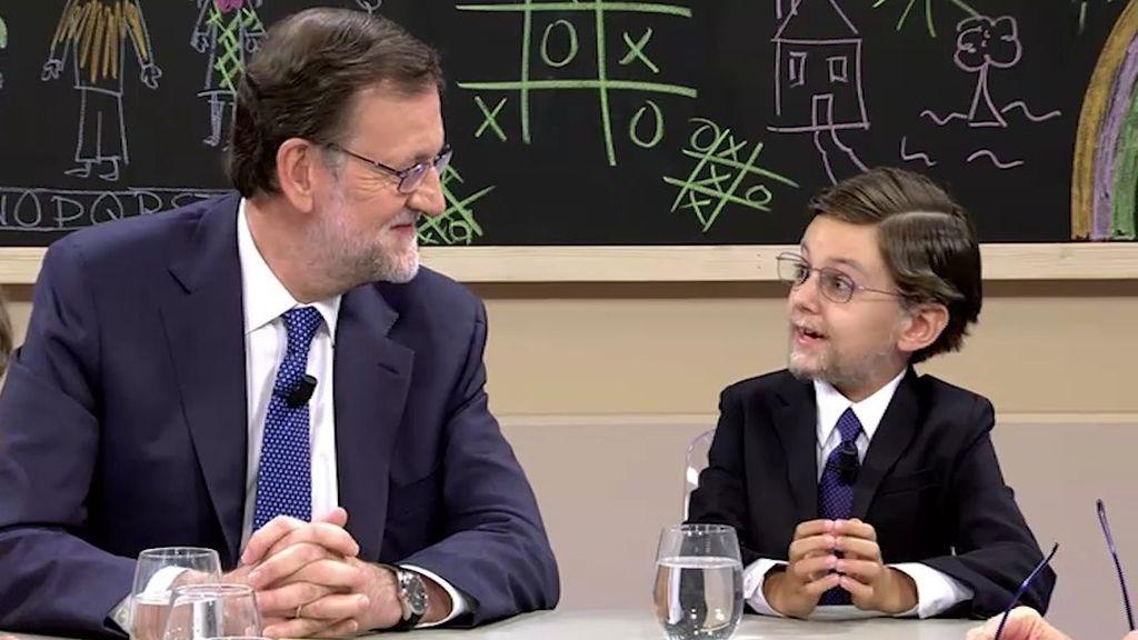 """""""Rajoy: mi tía te ha visto por las mañanas en el Congreso fumando un puro gordo"""""""
