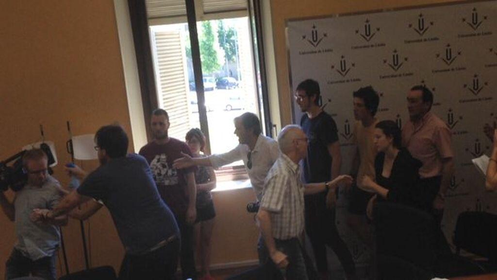 Periodistas agredidos Universidad Lleida