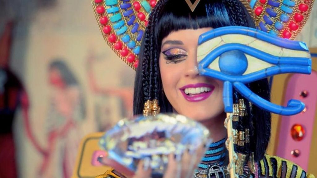Katy Perry. 'Dark Horse'. 830.000.000 visitas