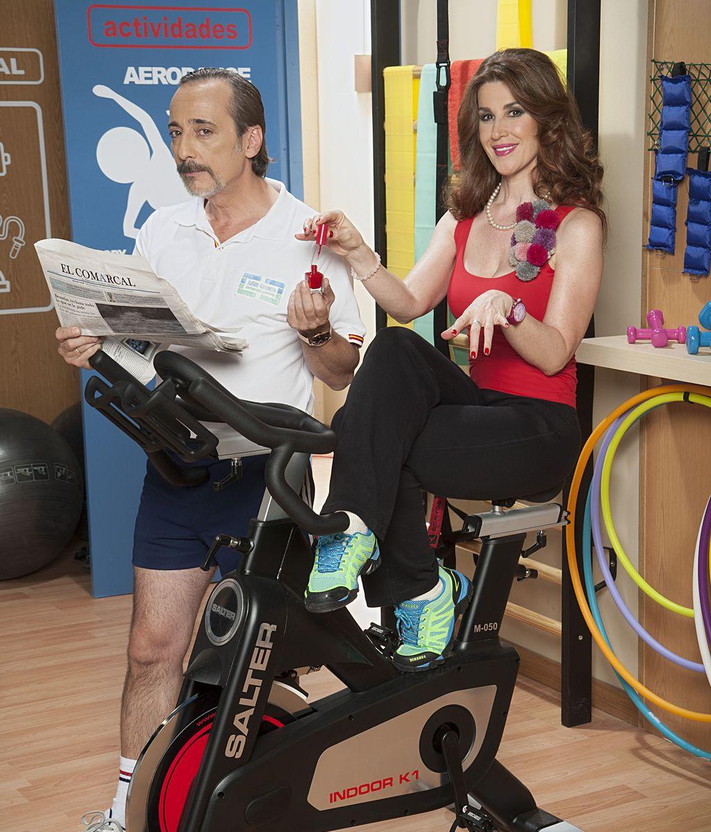Javier Coll (Julián) y Mar Abascal (Pilar), en 'Gym Tony L.C.'