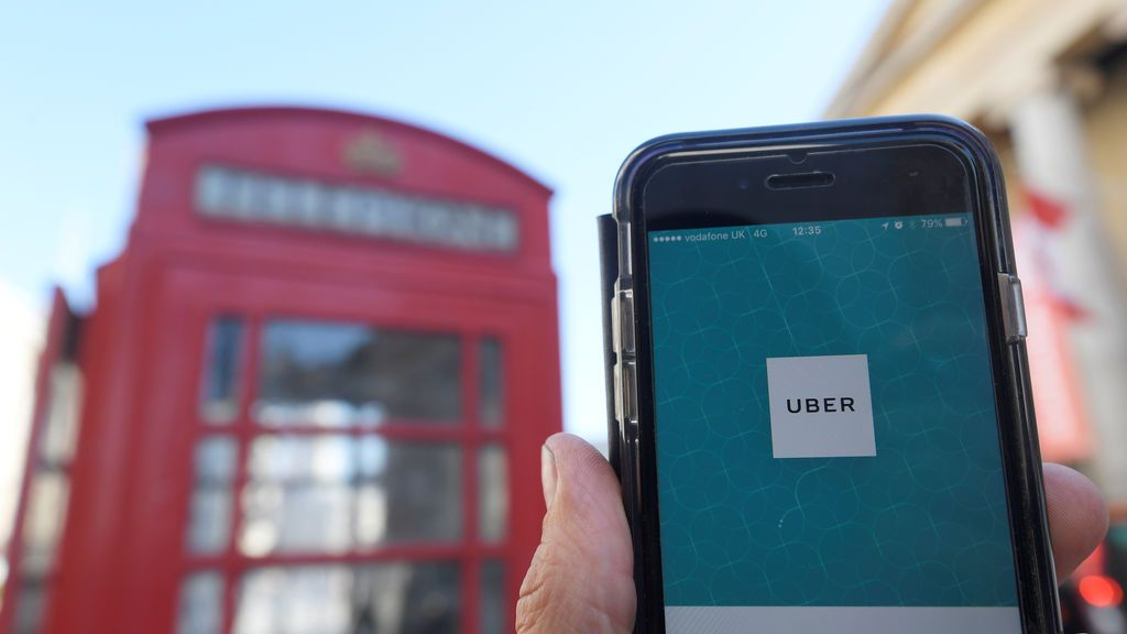 Uber pierde la licencia para circular por Londres