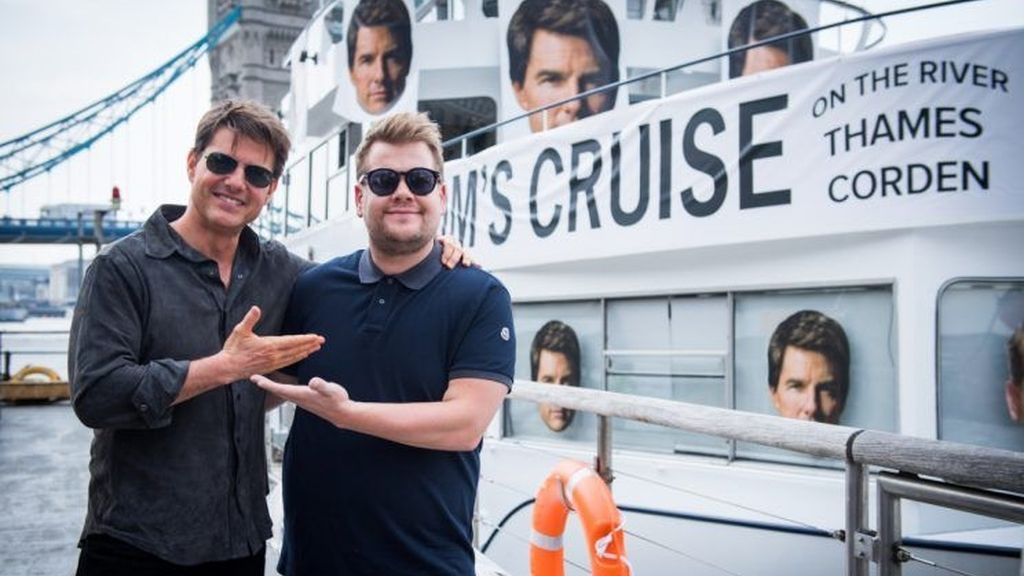 Tom Cruise visita el 'Late late show' de James Corden en Londres