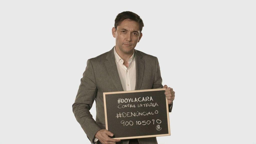 Javier Ruiz da la cara contra la trata