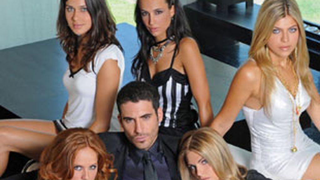 Protagonistas de 'Sin tetas no hay paraiso' (Telecinco)