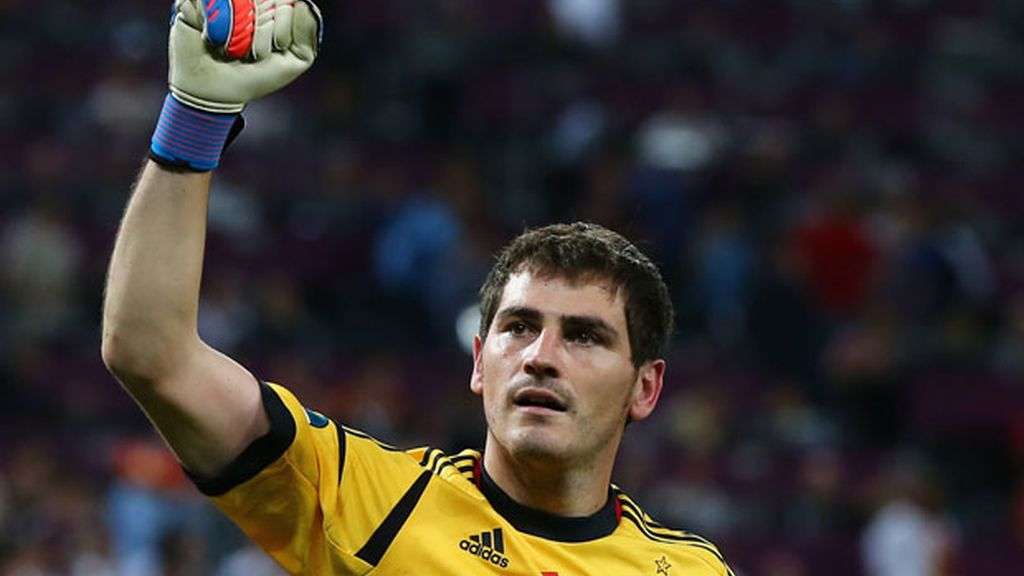 Iker Casillas celebra victoria contra Portugal semifinales Eurocopa