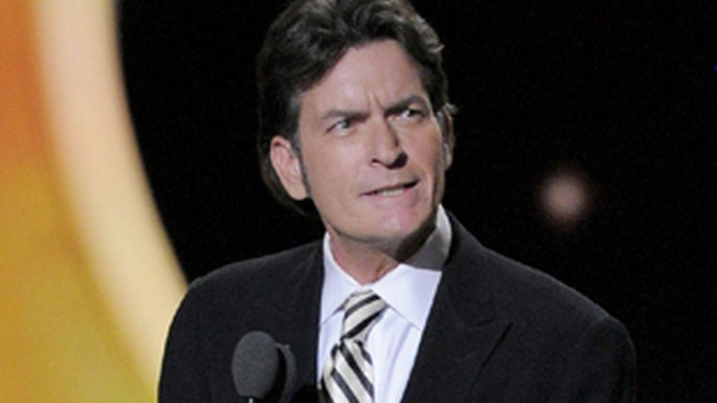 Charlie Sheen en la ceremonia de los Emmy 2011.