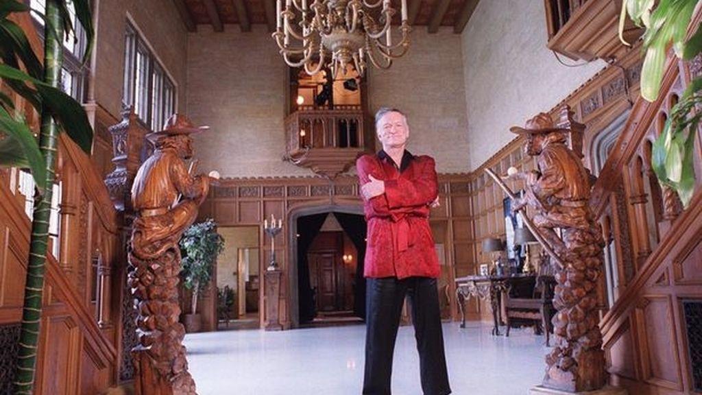 Hugh Hefner en su mansión Playboy