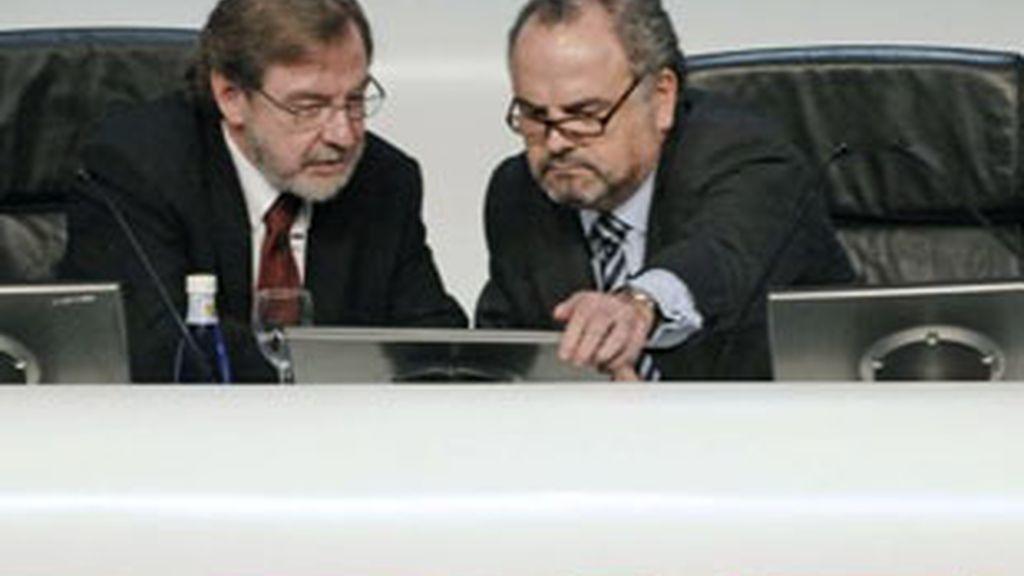 Juan Luis Cebrián (izquierda) e Ignacio Polanco, consejero delegado y presidente de Prisa, respectivamente.