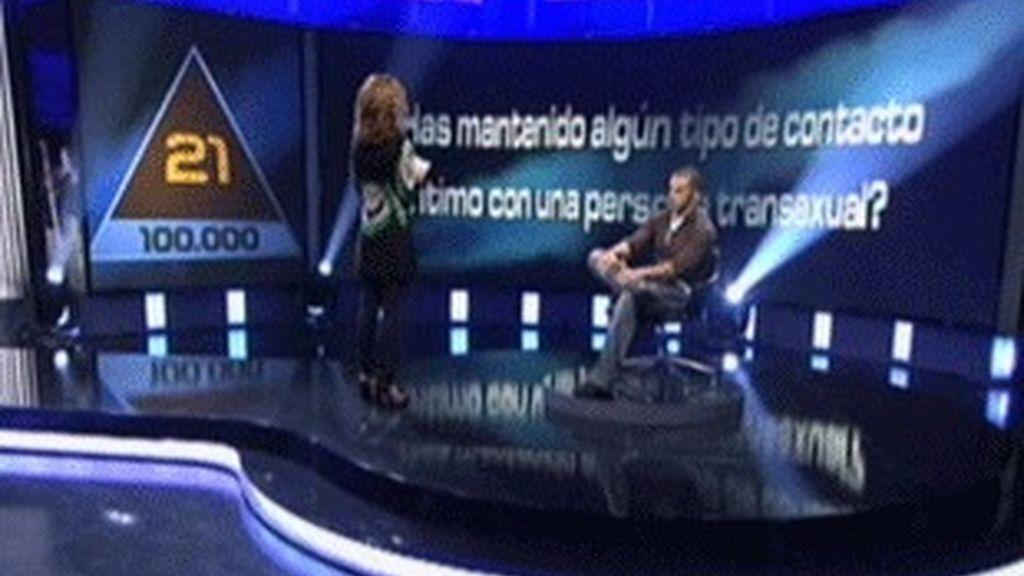 Emma García y Sergio, el ganador de 100.000 euros en 'El juego de tu vida'.