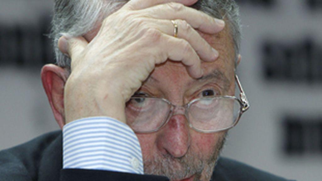 Alberto Oliart, presidente de RTVE, en el Senado.